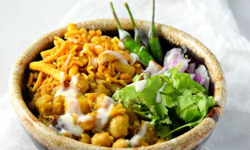 Warm Chickpea Chaat (Dahi Misal)