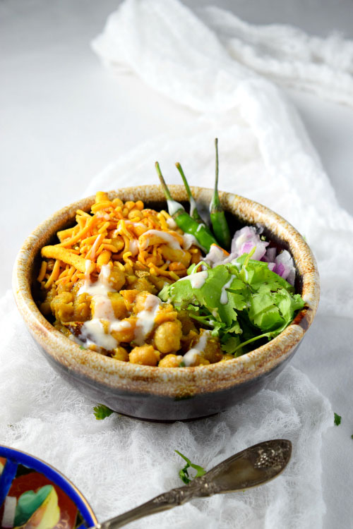 Warm Chickpea Chaat (Dahi Misal) Ready to Eat