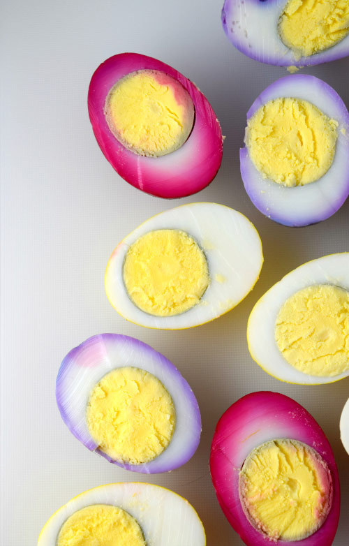 Inside of How to Naturally Color Eggs