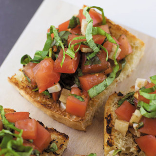 The Best Tomato Basil Bruschetta Recipe