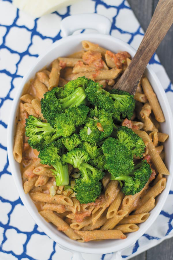 broccoli-pasta-ready-with-tomato-cream-pasta-sauce