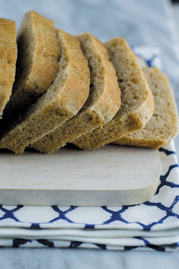 slices of fresh sandwich bread