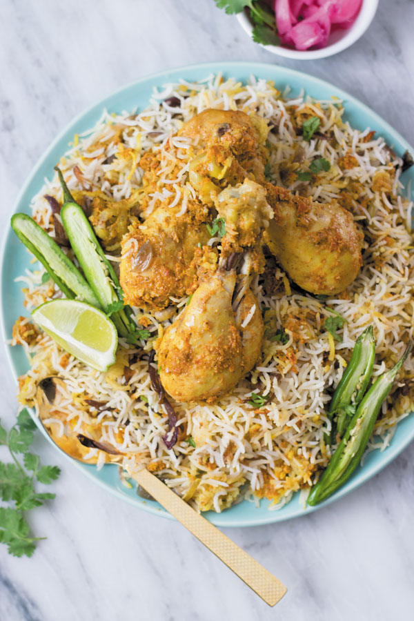 slow cooker chicken biryani - A simple NO-FUSS Indian chicken & rice recipe, big on flavors and made in a slow cooker! Just 30 minsutes prep work and enjoy a simple fuss free delicious meal!
