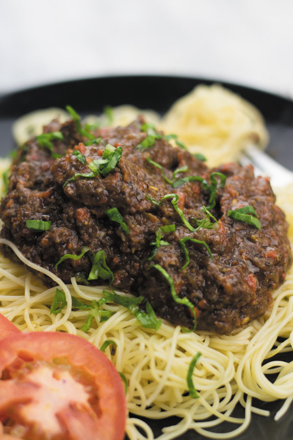 zero oil vegetable spaghetti bolognese - hearty, healthy packed with TONS of flavor. This vegetable sauce goes well with pastas, polenta or over toast!