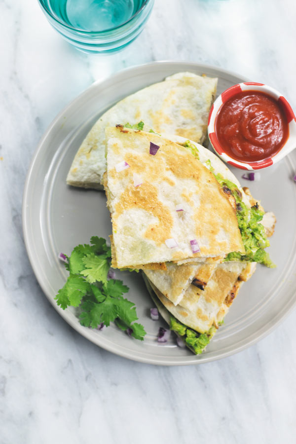 ranch chicken & guacamole quesadillas - 30 Mins is all you need to make this super flavorful quesadillas!