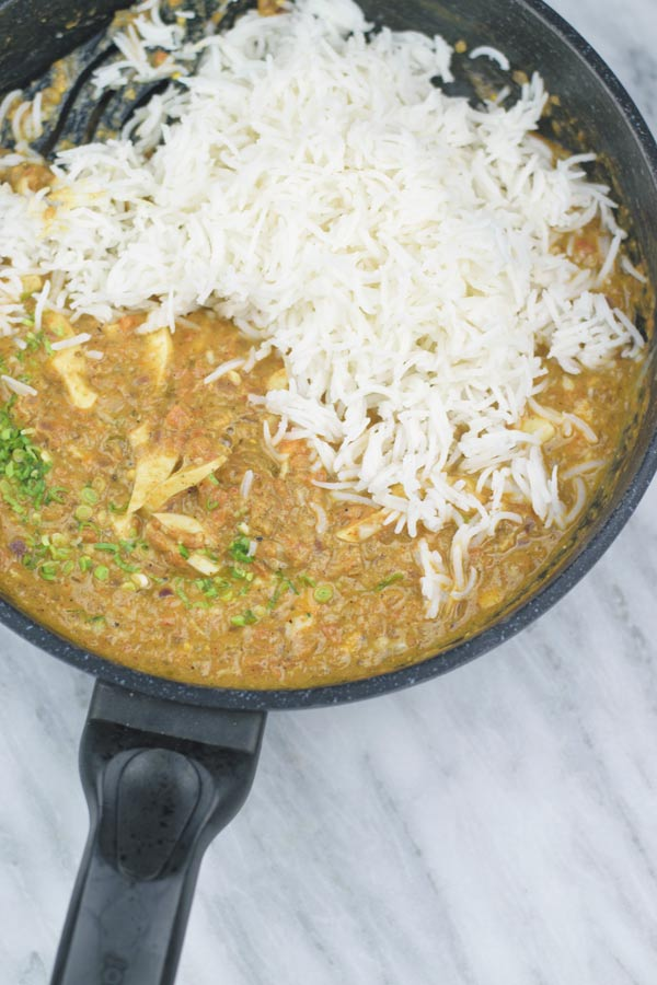 Curried Egg Rice - Simple curried egg rice recipe, made in ONE POT. A perfect & easy lunch/dinner recipe.
