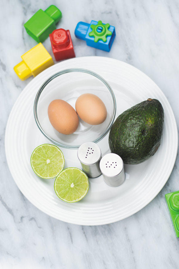 ingredients-for-avocado-egg-mash