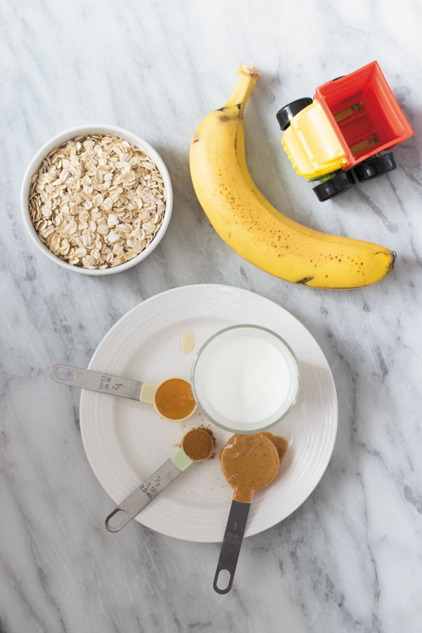 ingredients for peanut butter banana oatmeal