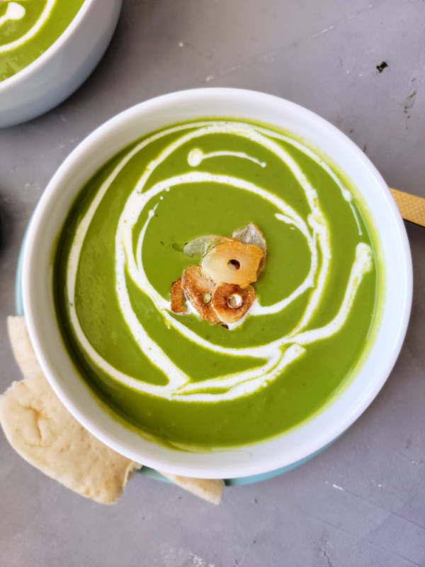 garlicky spinach broccoli soup ready for eating