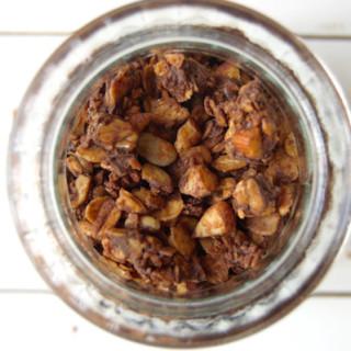 almond chocolate granola