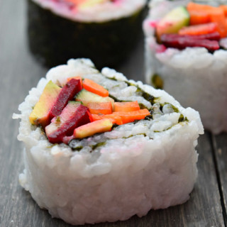 How to Make Spicy Mayo Vegetable Sushi