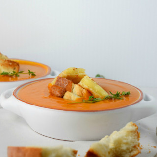 Creamy Tomato Soup With Grilled Cheese Croutons
