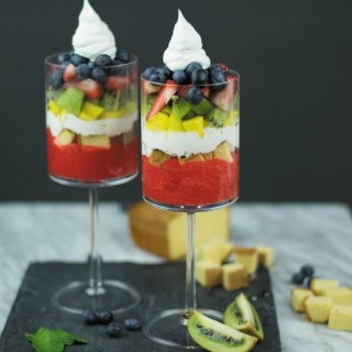 summer fruit cake triffle1